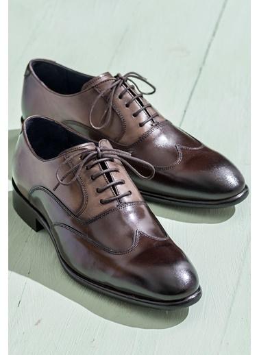 Elle Bağcıklı Klasik Deri Ayakkabı Kahve